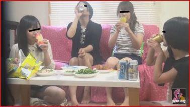 家飲み女子会がゲロ嘔吐大会になるなんて…